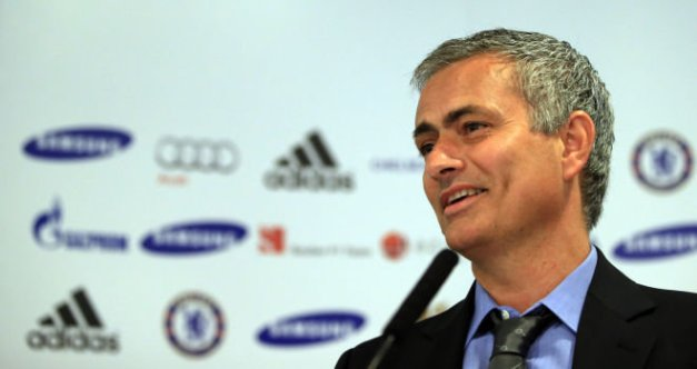 jose-mourinho-chelsea-press-conference-unveiling_2957620
